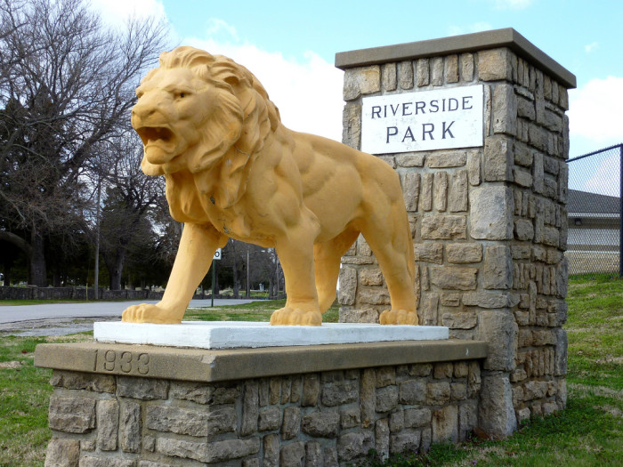 10. Riverside Park and Ralph Mitchell Zoo (Independence)