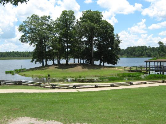 5. Chewalla Lake Recreation Area Trail, Holly Springs