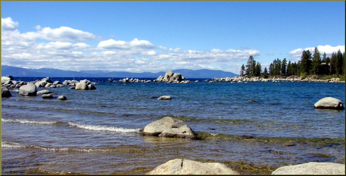 3. Nevada is home to some pretty amazing lakes...