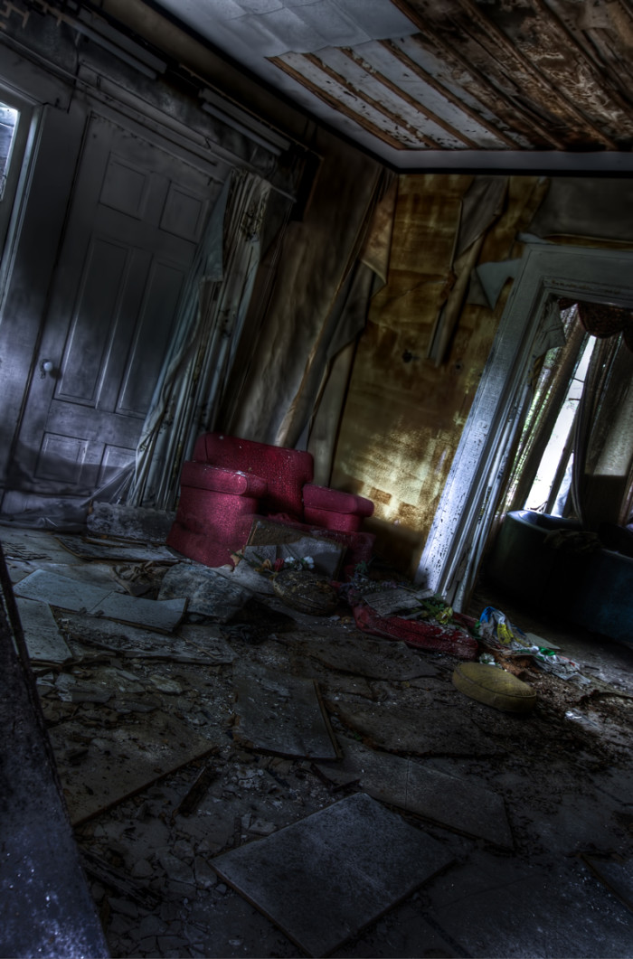 9) The inside of the Hyde Manor.