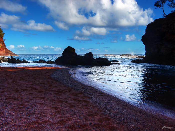 6) Maui's Red Sand Beach on Kaihalulu Bay.