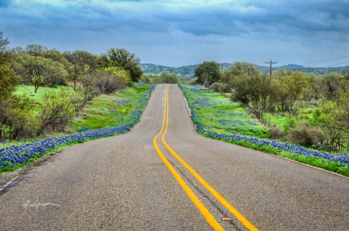 9) FM 2323 between Llano and Fredericksburg looks absolutely gorgeous from this angle, don't you think?