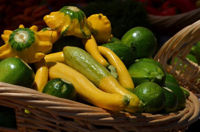 14) Buying Zucchini or Squash