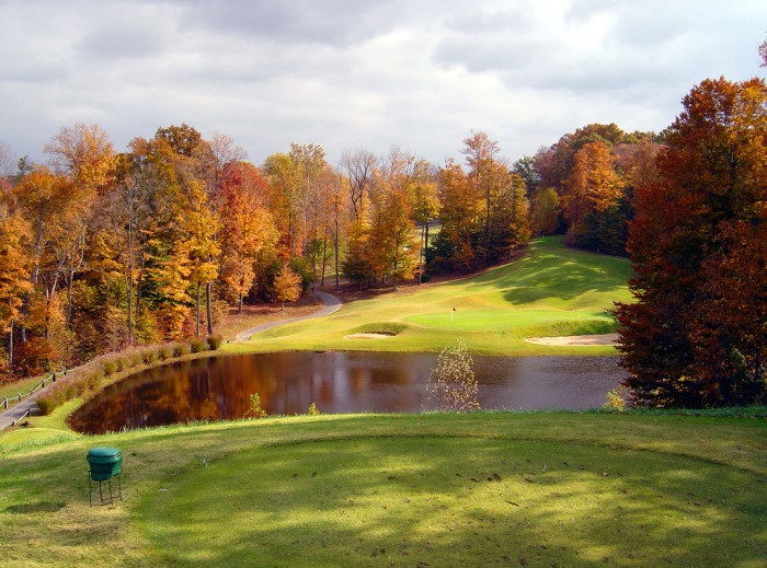 5. The way the autumn season changes the scenery at Sultan's Run Golf Course in Jasper is gorgeous!