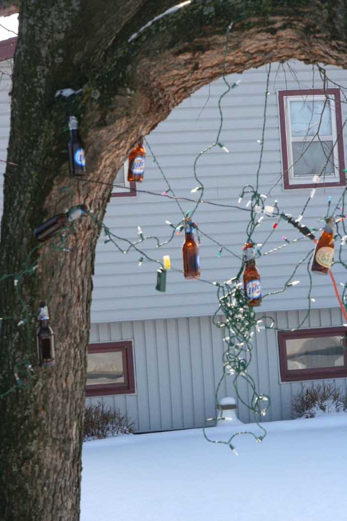 8. Your lazy neighbor is finally taking down last year's Christmas decor