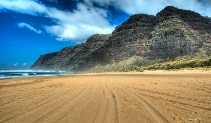 8) Check out the westernmost beach in the United States, Polihale State Park.