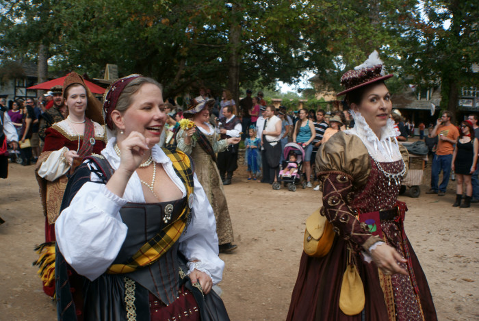 6) Not to mention, we have soo many fun fall festivals to choose from!