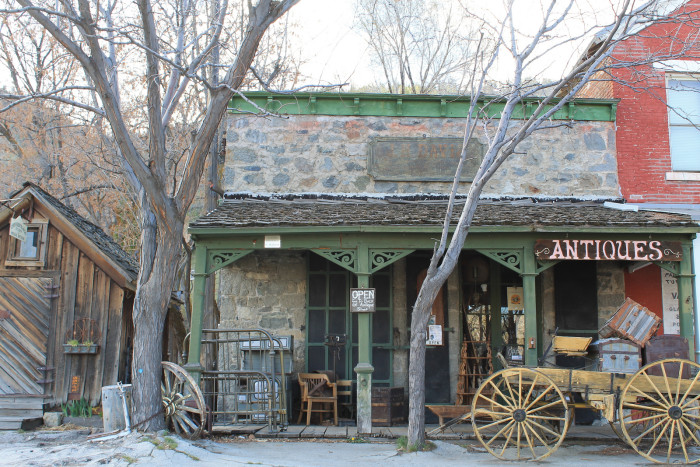 7. ...to small, charming towns, Nevada is a wonderful place to live.