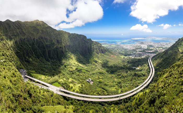 9) Hawaii even has brilliant and innovative highways, like Oahu's H-3, which cuts THROUGH the mountain!