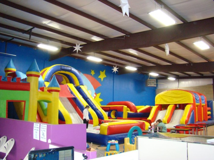 12 amazing indoor playgrounds in missouri that will make you feel like a kid again. Black Bedroom Furniture Sets. Home Design Ideas