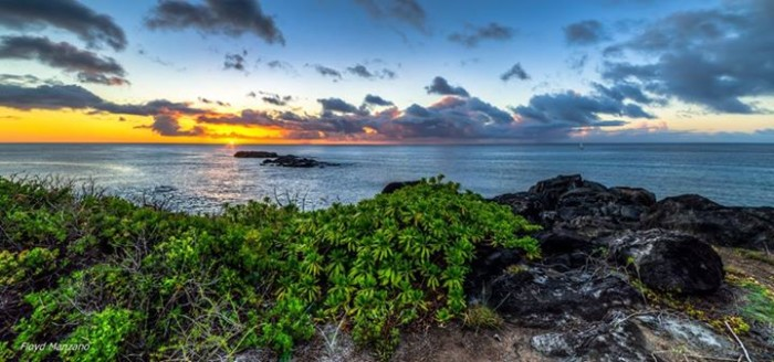 4) A sunset over Oahu's Waimea Bay just before tropical storm Guillermo, as photographed by Floyd Manzano.