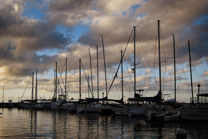 3) A walk near the Lahaina Harbor at sunset with your significant other would make for a lovely romantic memory.