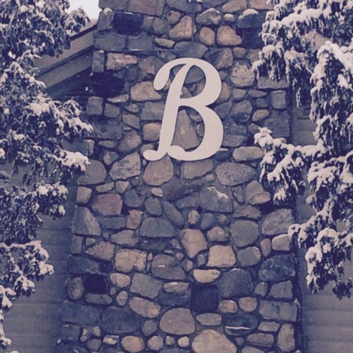 4) Boone's Long Lake Inn, Traverse City
