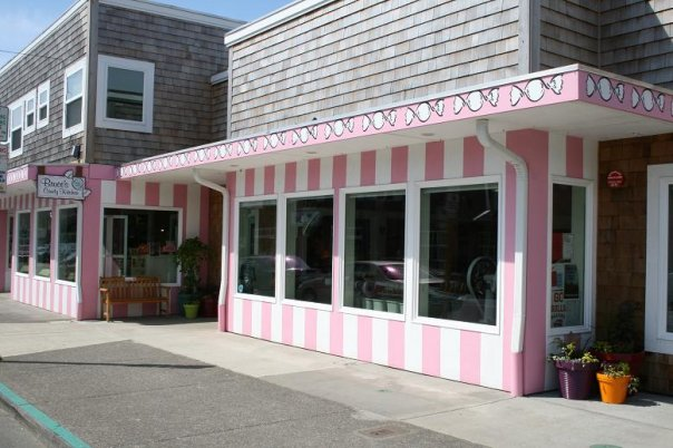 8) Bruce's Candy Kitchen, Cannon Beach