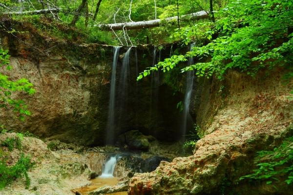 9. Clark Creek Nature Area's waterfalls look even better thanks to beautiful greenery.