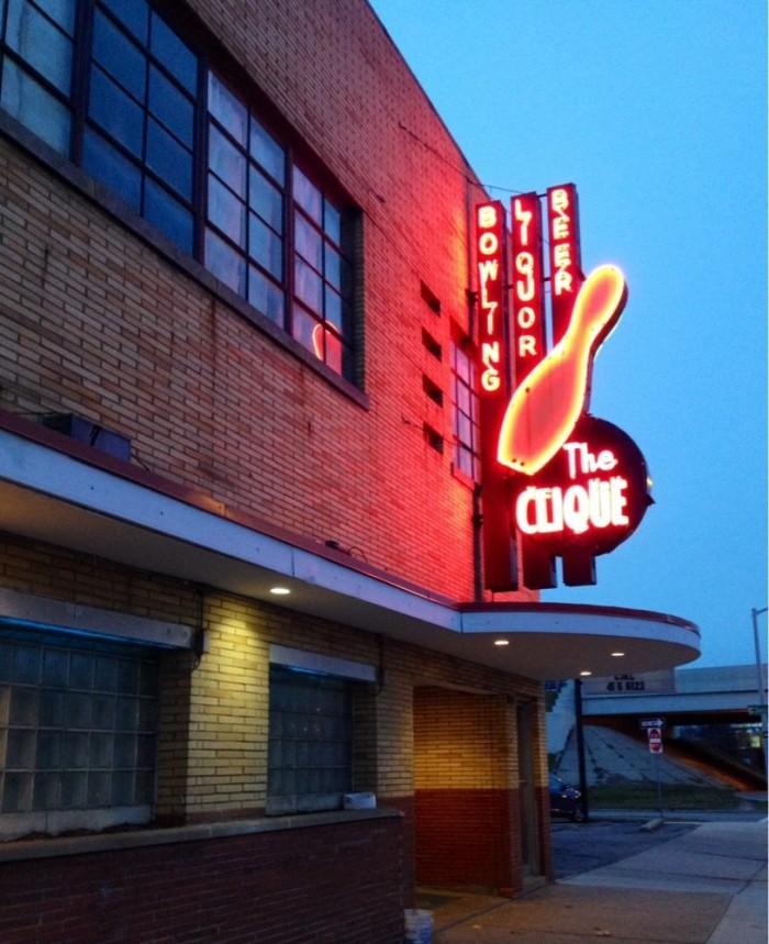 9) Clique Bowling Lanes, Grand Rapids