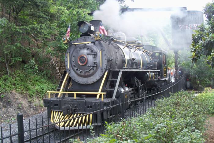 9) Dollywood Express