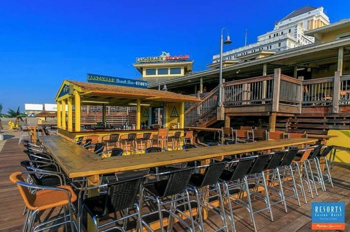 5. Landshark Bar & Grill, Atlantic City