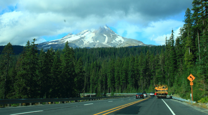 Take These Roads In Oregon For An Unforgettable Scenic Drive