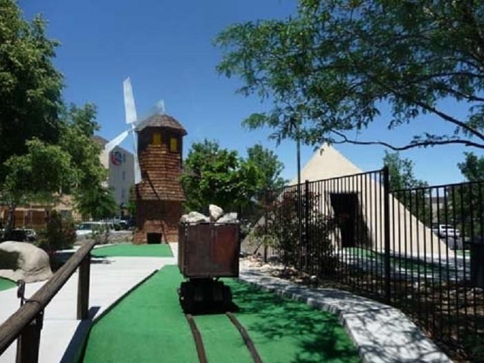 8. Magic Carpet Golf