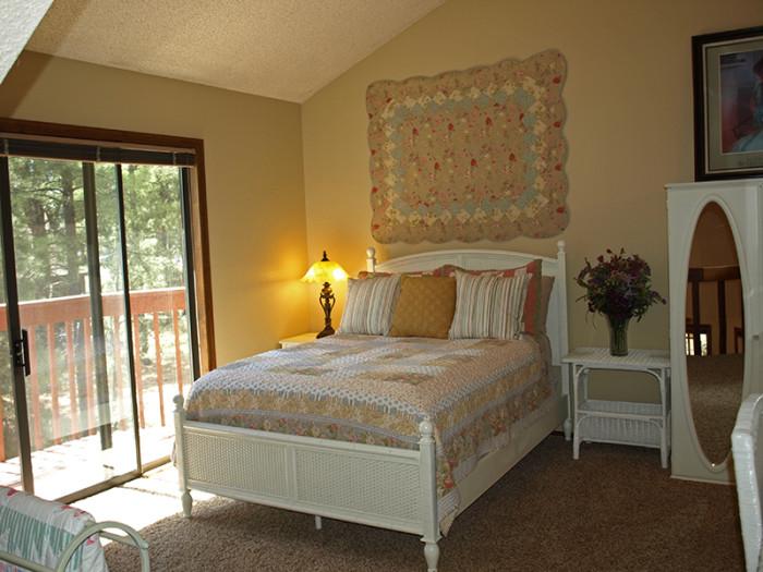 Bed Abd Breakfast On I East Of Flagstaff