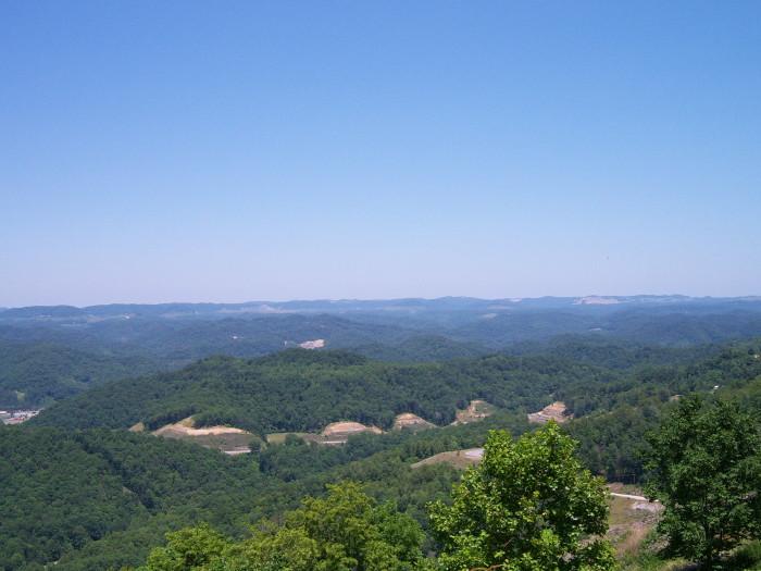 6. Pine Mountain in the Appalachians