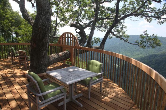 Primland treehouse