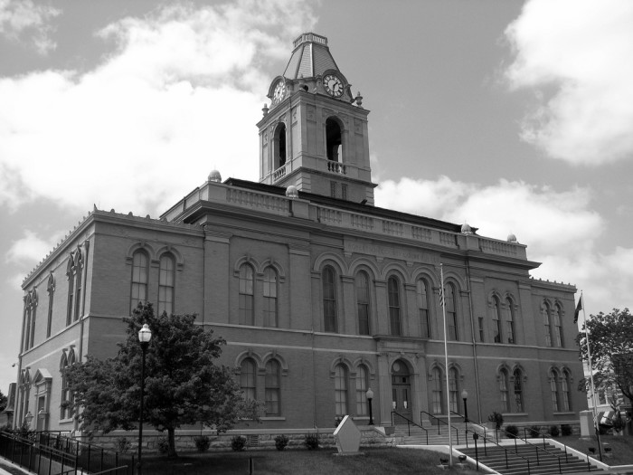 10) Robertson County
