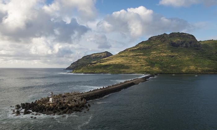 16) This beautiful photograph was taken in Kauai's Nahwilili Bay.