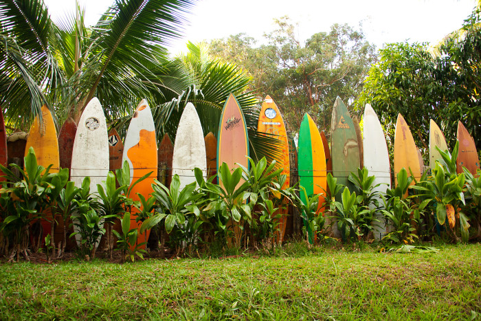 14) This fence of surfboards on Maui would make a cool backdrop for some great portraits.