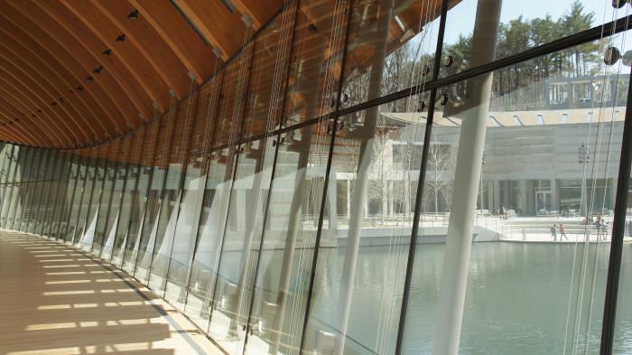10. Bentonville: Crystal Bridges Museum of Art