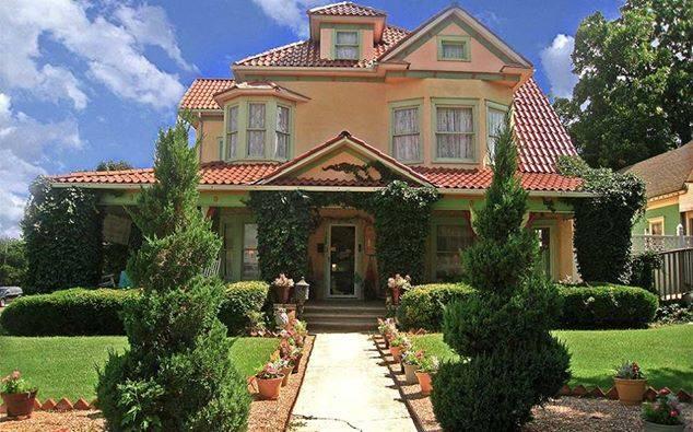 4. The Arcadian Inn: Edmond