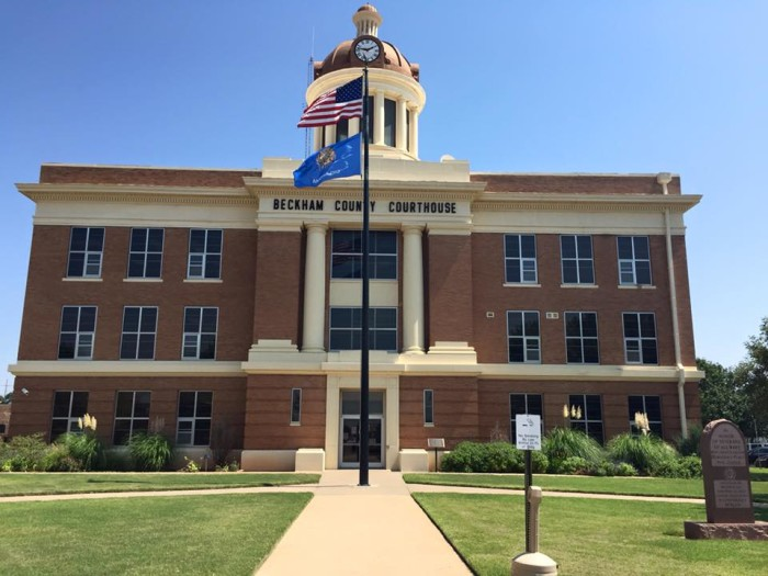 6. Beckham County Courthouse: Sayre