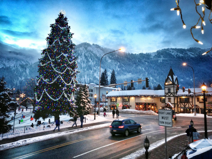 9. ...to lovable small towns. This picture of Leavenworth is so charming!