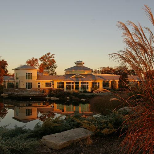 1. Swan Lake Resort