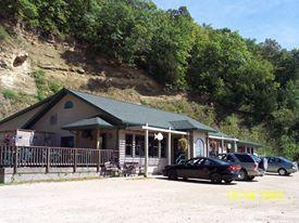 6. Great River Roadhouse (De Soto)