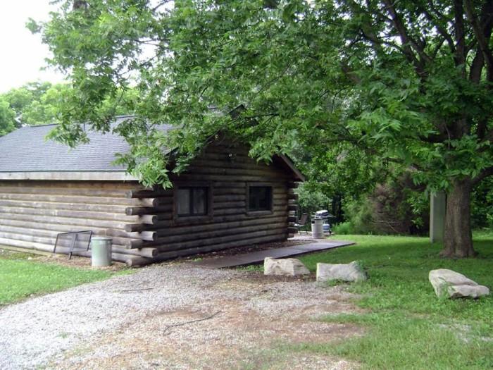 3. Rustic Getaway Cabins (Bumcombe)