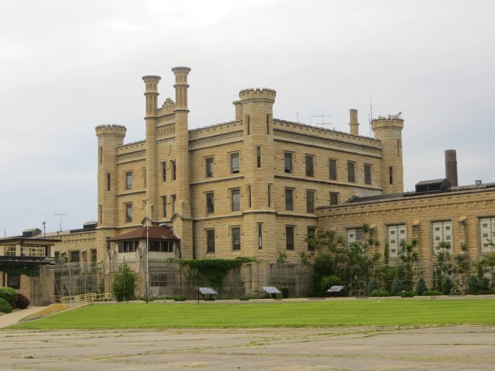 1. Joliet Correctional Center