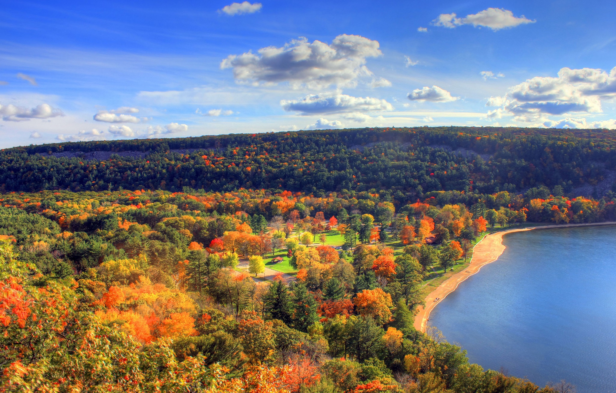 You Must Visit These 8 Awesome Places In Wisconsin This Fall
