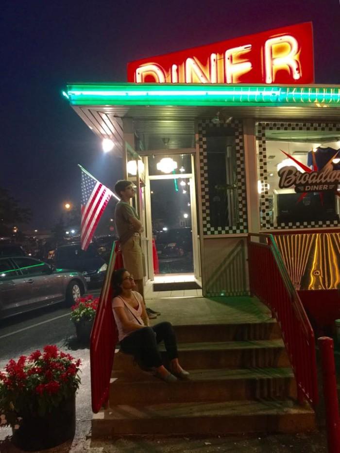 1. Broadway Diner, Columbia