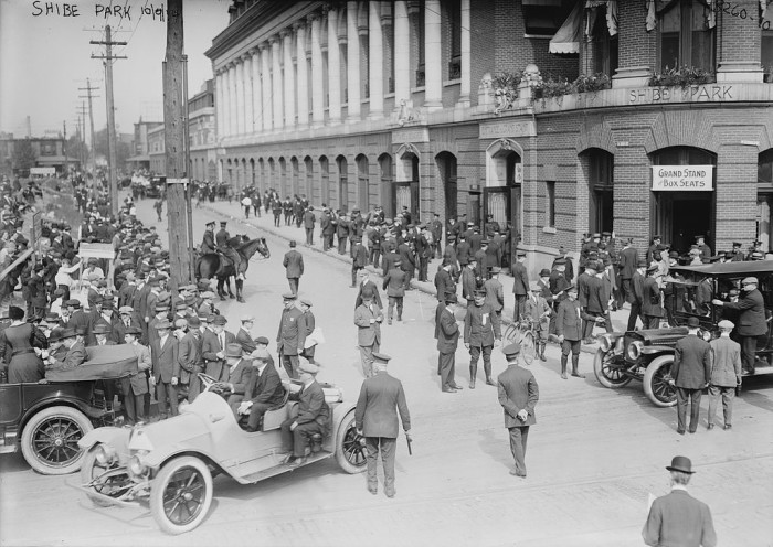 Fans line up to enter Shibe Park in Philadelphia in 1914.