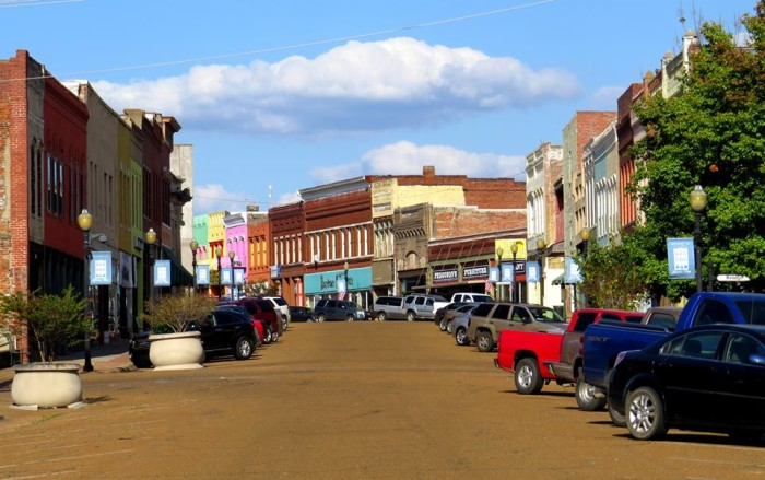 10. The charming Yazoo City looks more like a movie set than real life.