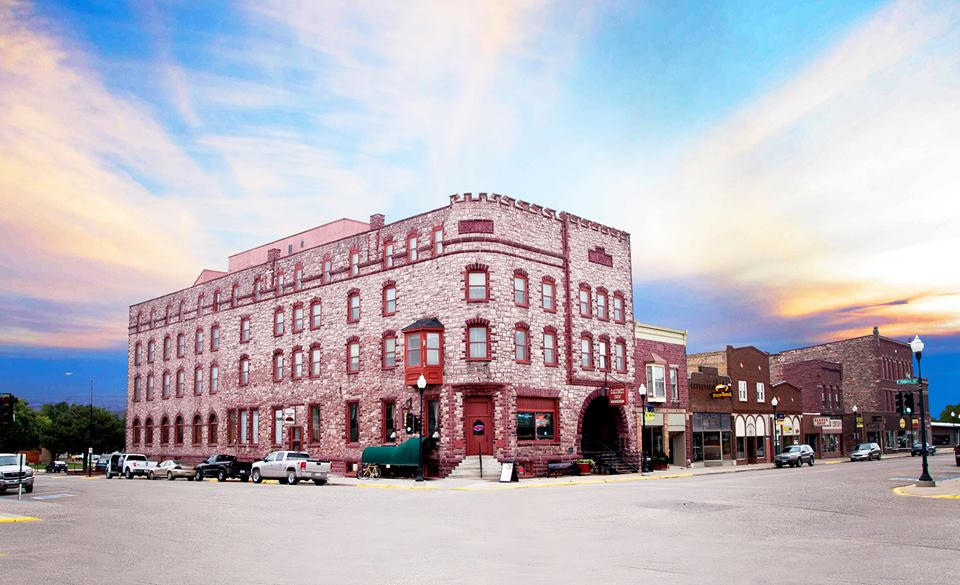 Haunted hotels in minnesota for Pennsylvania hotel new york haunted