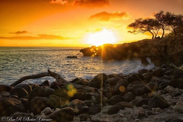 12) A blissful Nanakuli sunset will relax even the most stressed of individuals.