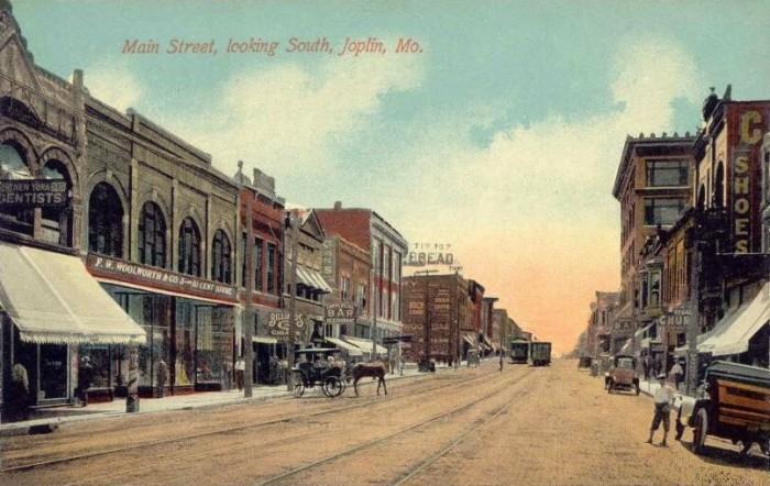 11.Main Street, looking south, Joplin, 1910.