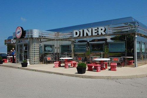 11.Rt. 66 Diner, St. Robert