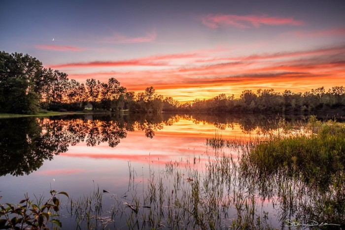 15. Steven Deam shared another beautiful picture with us this week! This picture is of a gorgeous sunset over a lake near Columbia, City.