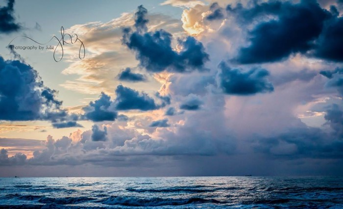 5) A storm rolls in over the calm waters of Galveston, Texas.