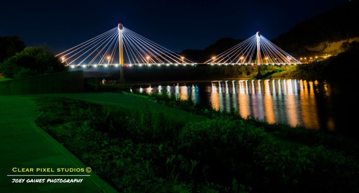 6. The U.S. Grant Bridge in Portsmouth, OH at night