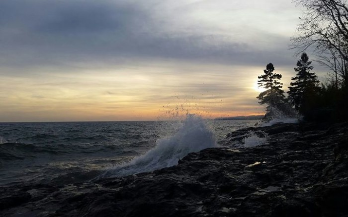 6. The spectacular shore in Grand Marais photographed by Alanna Hanson comes alive.